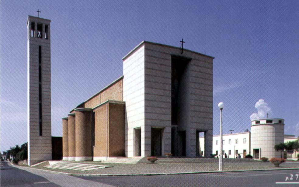 La Chiesa,  il Battistero e la Casa delle Suore, (Sabaudia accessibile 2003,  foto   di  Marzio Marzot)