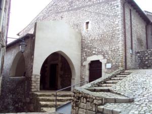 Sermoneta-Chiesa-San-Michele-Arcangelo