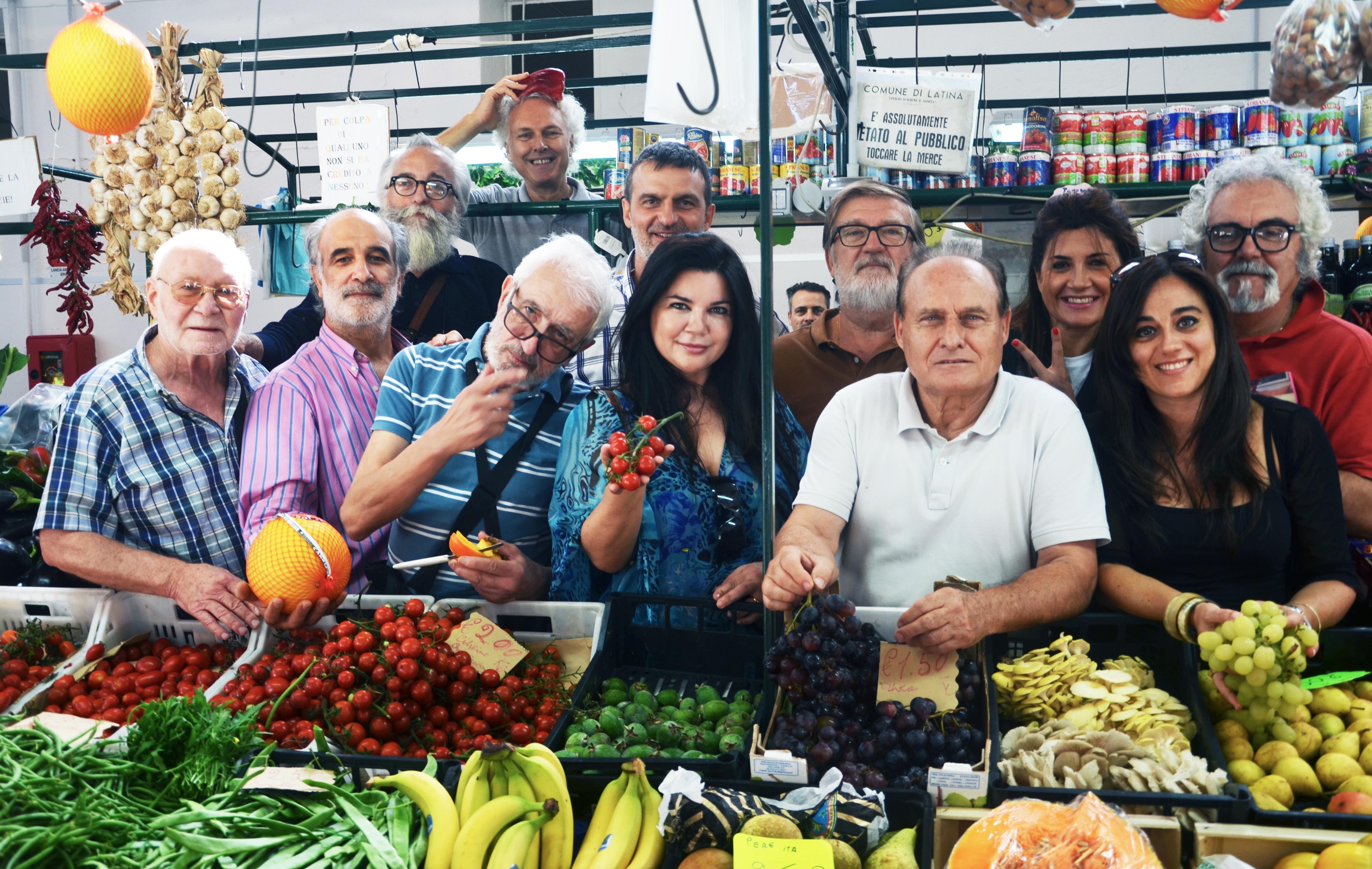 foto mercato a colori senior